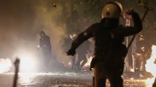 Νύχτα επεισοδίων στα Εξάρχεια: Επιθέσεις σε διμοιρίες - καμία σύλληψη