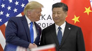 Ο εμπορικός πόλεμος συνεχίζεται: Σε ισχύ από αύριο νέοι τιμωρητικοί δασμοί σε προϊόντα της Κίνας