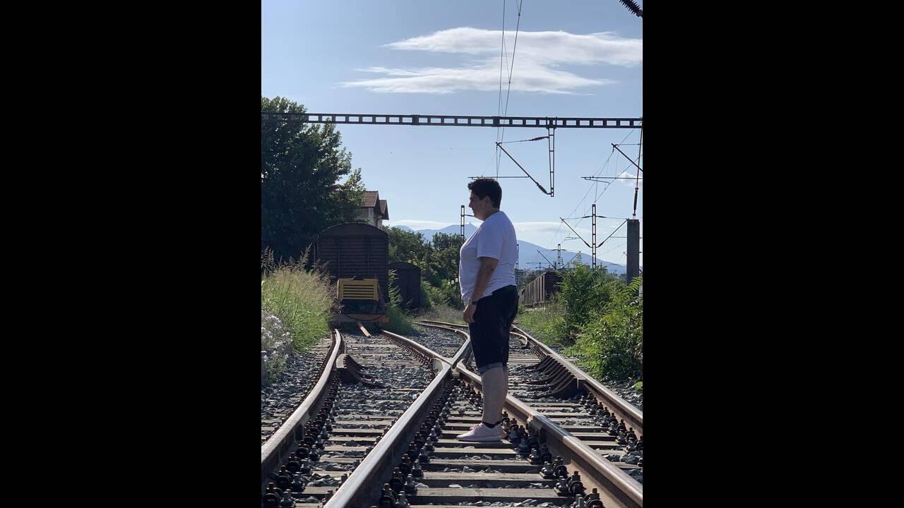 https://cdn.cnngreece.gr/media/news/2019/09/01/189218/photos/snapshot/intherailwaystation-wagonstodeath.jpg