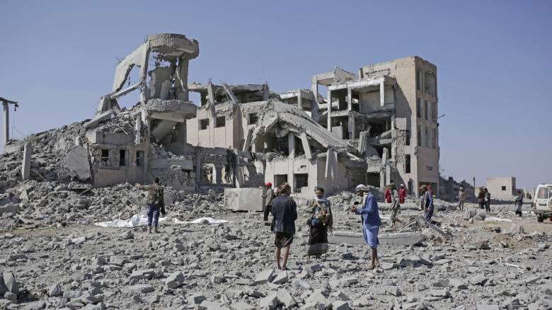 Υεμένη: 130 οι νεκροί από τον αεροπορικό βομβαρδισμό φυλακής
