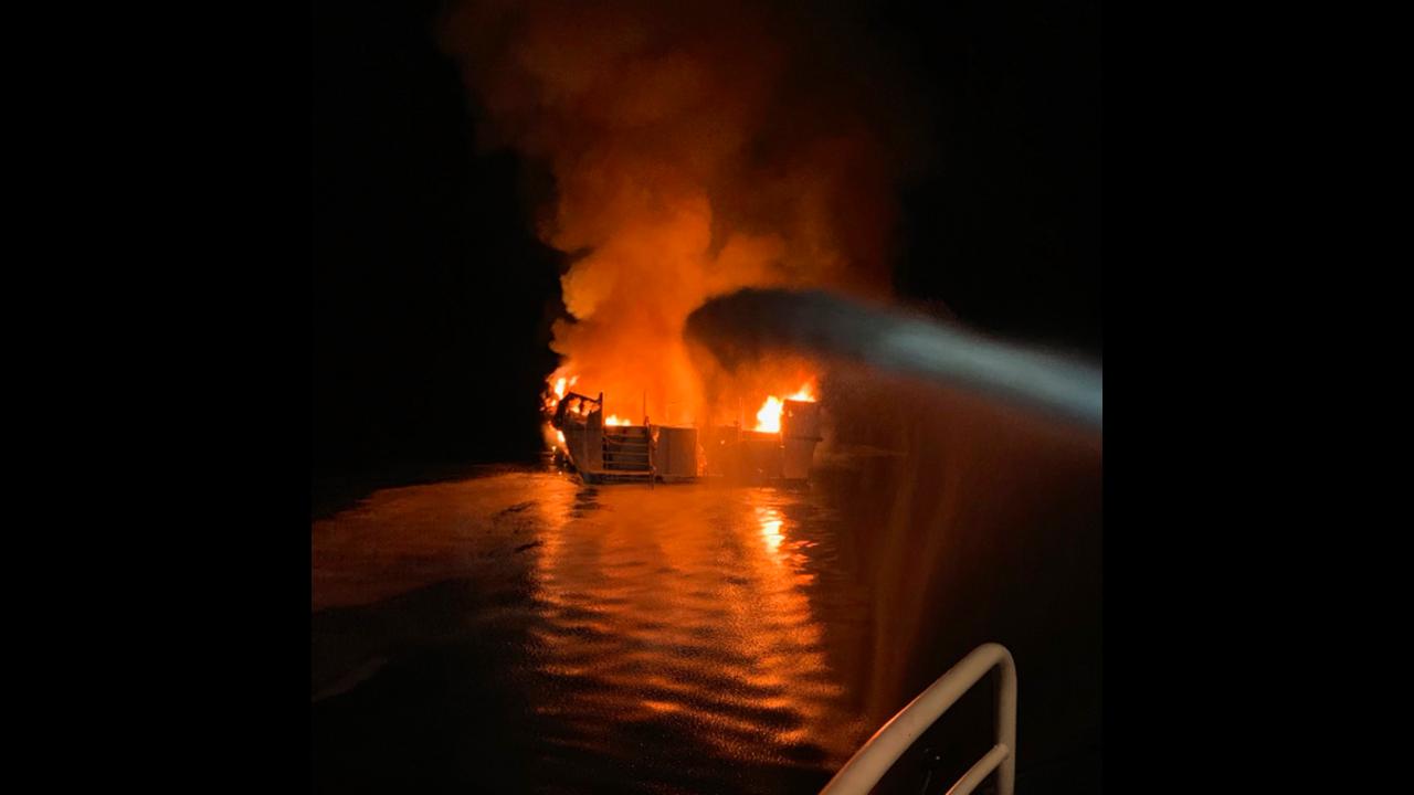 https://cdn.cnngreece.gr/media/news/2019/09/02/189331/photos/snapshot/boatfire.png