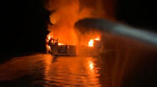 Καλιφόρνια: Σκάφος τυλίχθηκε στις φλόγες - Φόβοι για δεκάδες νεκρούς