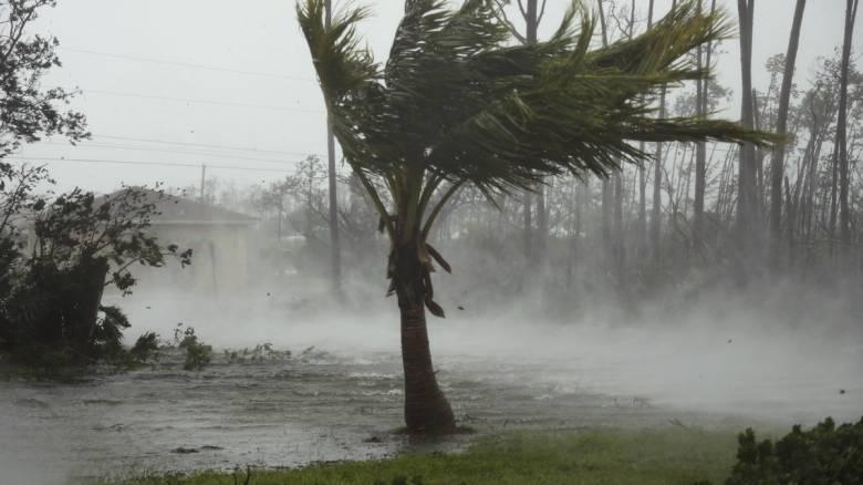 Σφυροκοπά τις Μπαχάμες ο τυφώνας Ντόριαν: Τουλάχιστον πέντε οι νεκροί