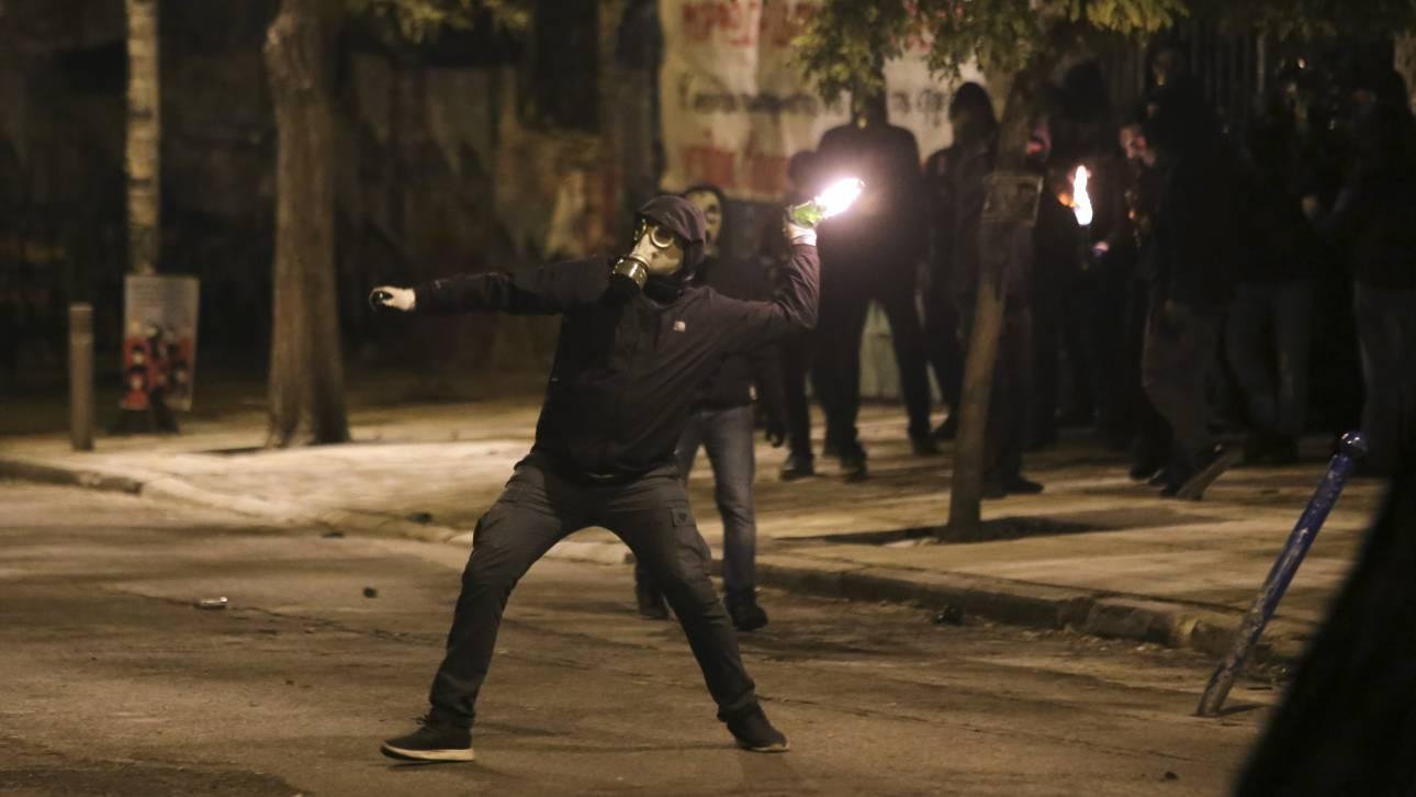 Εξάρχεια: Νέο βίντεο από επίθεση με μολότοφ κατά των ΜΑΤ