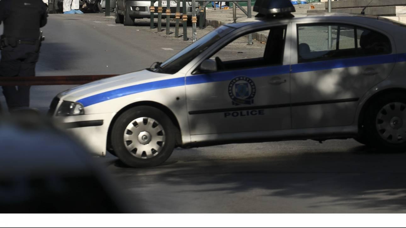 Πάτρα: Συναγερμός στις Αρχές - Άνδρας απειλεί να πέσει από το μπαλκόνι