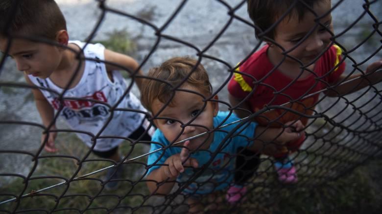 Στο λιμάνι της Θεσσαλονίκης εκατοντάδες πρόσφυγες από τη Μόρια