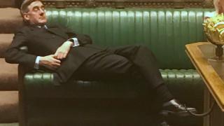 Σάλος στη Βρετανία με... κοιμώμενο υπουργό: Η οργή στη Βουλή και το «πάρτι» στο Twitter