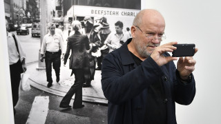 Πίτερ Λίντμπεργκ: Πέθανε ο διάσημος πορτρετίστας της μόδας και των σταρ του Χόλιγουντ