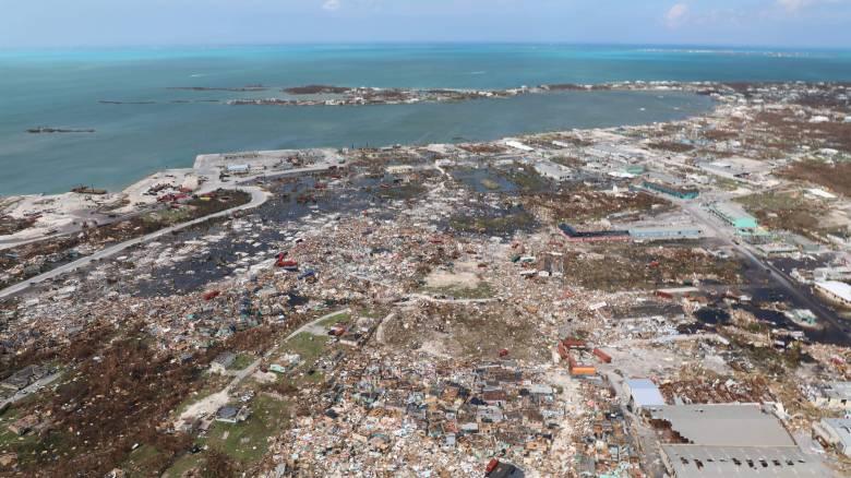 Συναγερμός στις ΗΠΑ: Ενισχύθηκε ο τυφώνας Ντόριαν και κατευθύνεται προς τις αμερικανικές ακτές