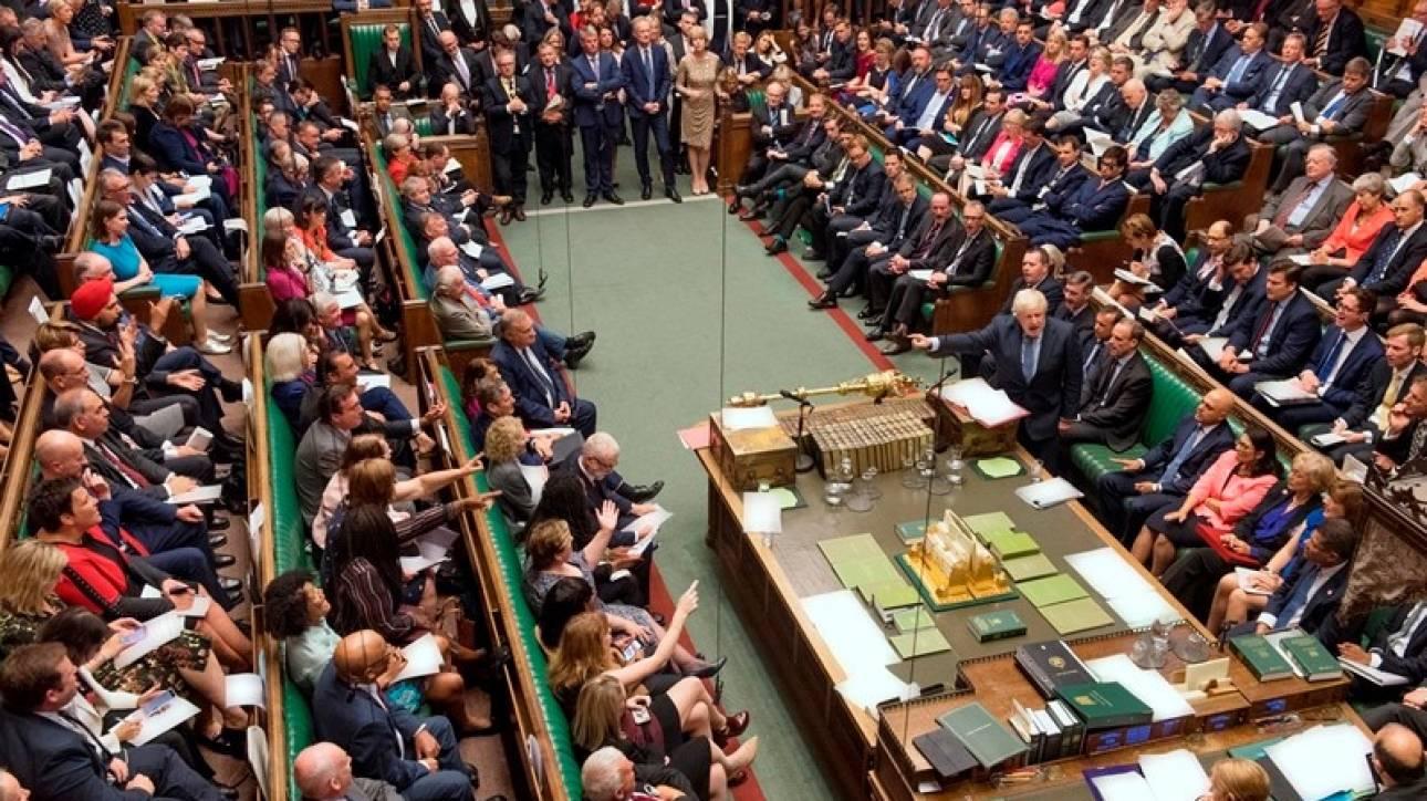 Βρετανία: «Όχι» Κόρμπιν σε πρόωρες εκλογές - Διαφαινόμενη αναδίπλωση της κυβέρνησης