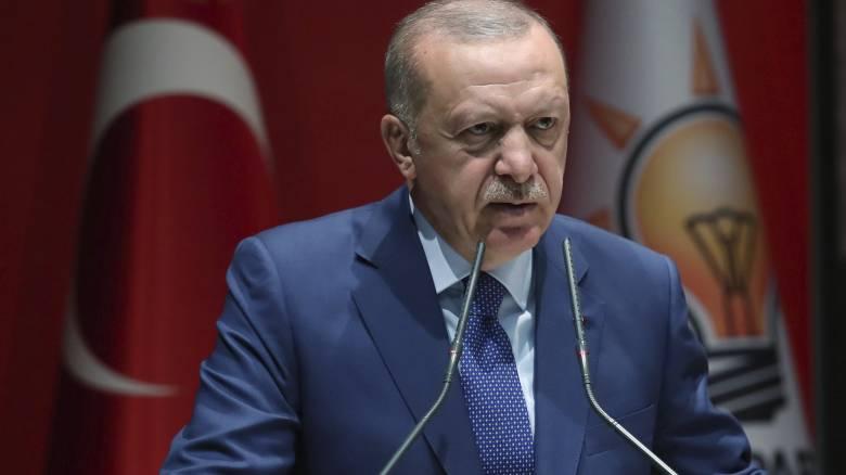 «Ανοίγω τα σύνορα αν δεν με στηρίξετε»: Εκβιάζει την Ευρώπη με τους πρόσφυγες ο Ερντογάν