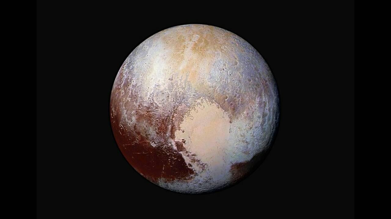 https://cdn.cnngreece.gr/media/news/2019/09/05/189671/photos/snapshot/Plutos-surface-AP.jpg