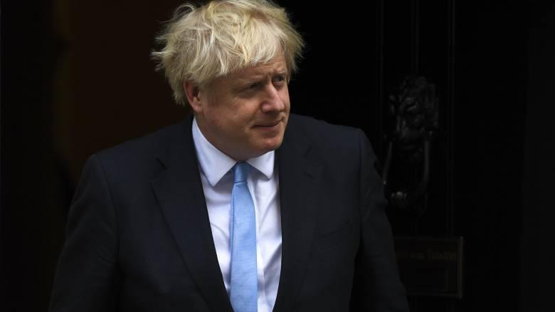 Τζόνσον: Καλύτερα να με βρουν νεκρό σε χαντάκι παρά να καθυστερήσω το Brexit