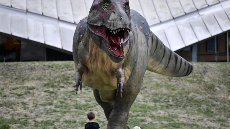 Πώς θα ήταν ο κόσμος αν δεν είχαν εξαφανιστεί οι δεινόσαυροι; Μερικές ενδιαφέρουσες θεωρίες
