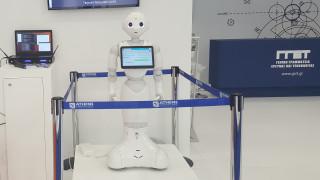 ΔΕΘ 2019: Το ρομποτάκι Pepper με το «ελληνικό μυαλό» λύνει τις απορίες των επισκεπτών