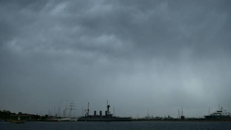 Καιρός: Βροχές και την Κυριακή