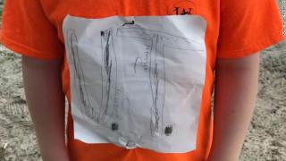 Του έκαναν μπούλινγκ για το χειροποίητο μπλουζάκι - Δικαιώθηκε με τον καλύτερο τρόπο