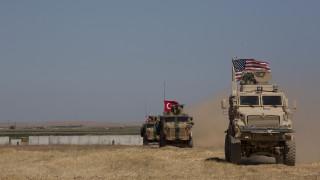 Ακάρ: Θα συνεχιστούν οι κοινές περιπολίες Τουρκίας-ΗΠΑ στη Συρία