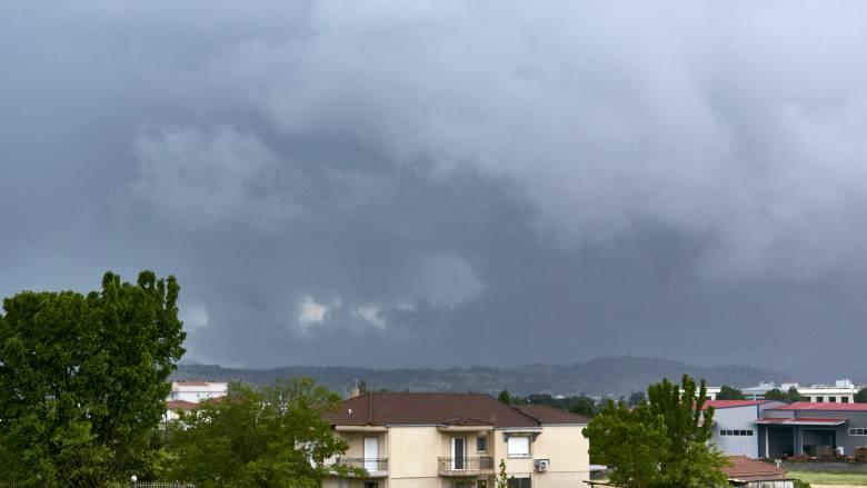 Καιρός: Σε ποιες περιοχές θα σημειωθούν βροχές και καταιγίδες τη Δευτέρα