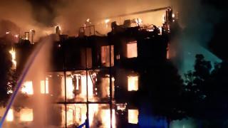 Λονδίνο: Υπό έλεγχο η μεγάλη φωτιά που ξέσπασε σε πολυκατοικία