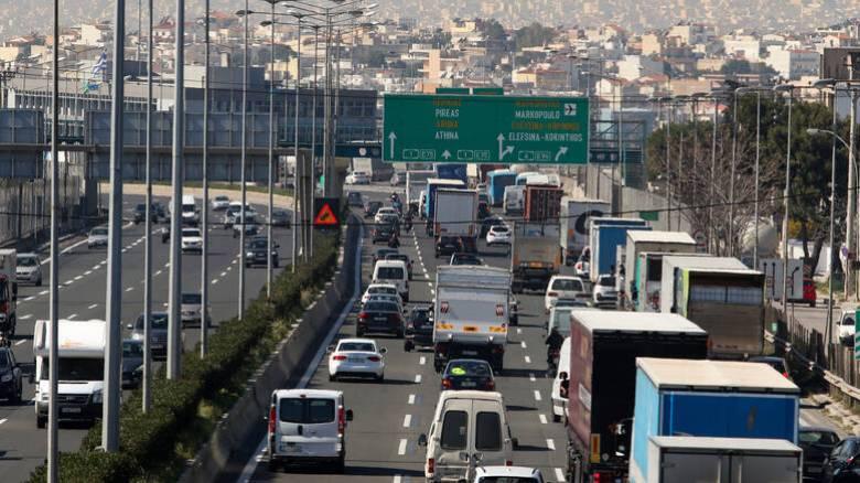 Κυκλοφοριακό χάος στην Αθηνών - Λαμίας λόγω τροχαίου