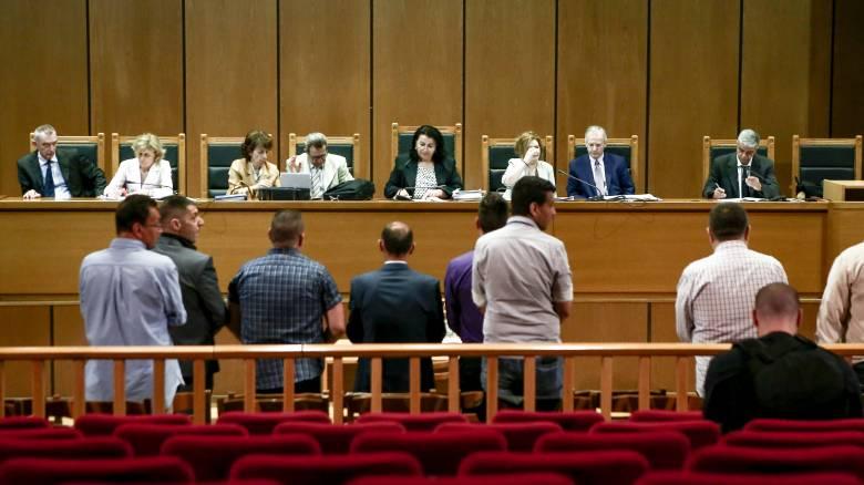 Δίκη Χρυσής Αυγής: Απαλλαγή Λαγού και Μίχου προτείνει η εισαγγελέας για την επίθεση στο «Συνεργείο»