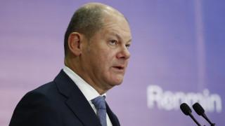 Σολτς: Η Γερμανία μπορεί να αντιμετωπίσει την πιθανότητα κρίσης με «πολλά, πολλά δισ. ευρώ»