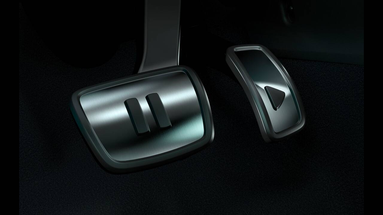 https://cdn.cnngreece.gr/media/news/2019/09/10/190147/photos/snapshot/VW-ID-3-11.jpg
