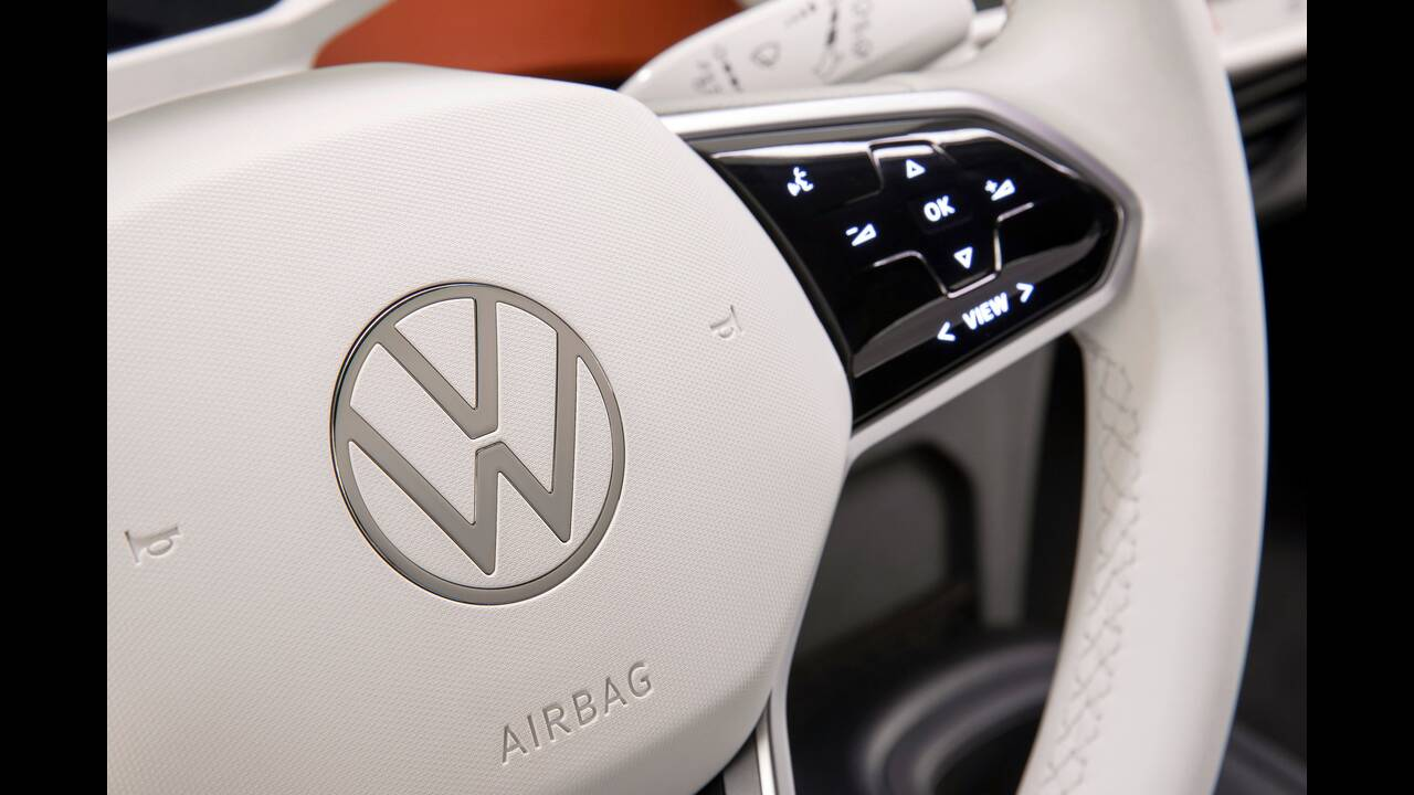 https://cdn.cnngreece.gr/media/news/2019/09/10/190147/photos/snapshot/VW-ID-3-28.jpg