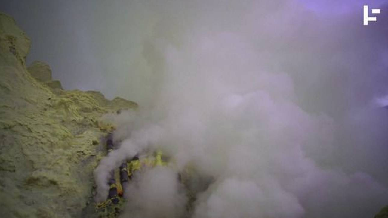 Πού βρίσκεται ο κρατήρας που καίει σε κοινή θέα επί σχεδόν 50 χρόνια;
