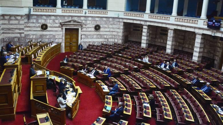 Βουλή: Υπερψηφίστηκε με ευρεία συναίνεση η Πράξη Νομοθετικού Περιεχομένου για το Μάτι