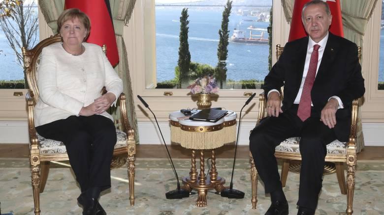 Για το προσφυγικό και την αύξηση των αφίξεων στην Ελλάδα συζήτησαν Μέρκελ-Ερντογάν