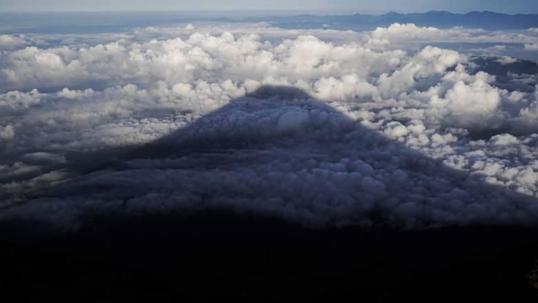 Η ανατολή του ηλίου από την κορυφή του Φουτζιγιάμα - Μια εμπειρία ζωής