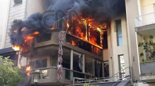 Οι πρώτες εικόνες από τη φωτιά στην Κυψέλη