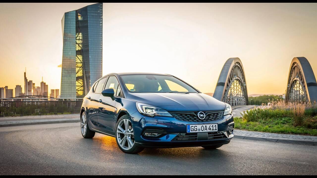 https://cdn.cnngreece.gr/media/news/2019/09/12/190378/photos/snapshot/Opel-Astra-2019-10.jpg