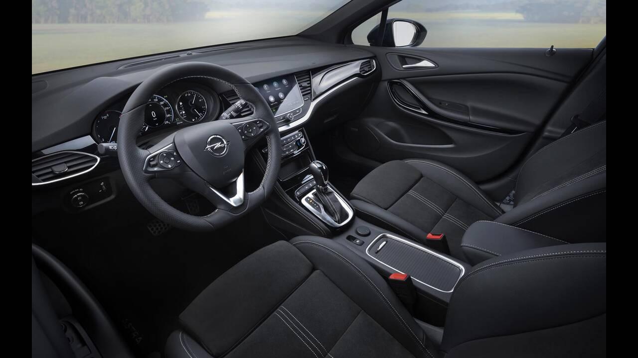 https://cdn.cnngreece.gr/media/news/2019/09/12/190378/photos/snapshot/Opel-Astra-2019-18.jpg