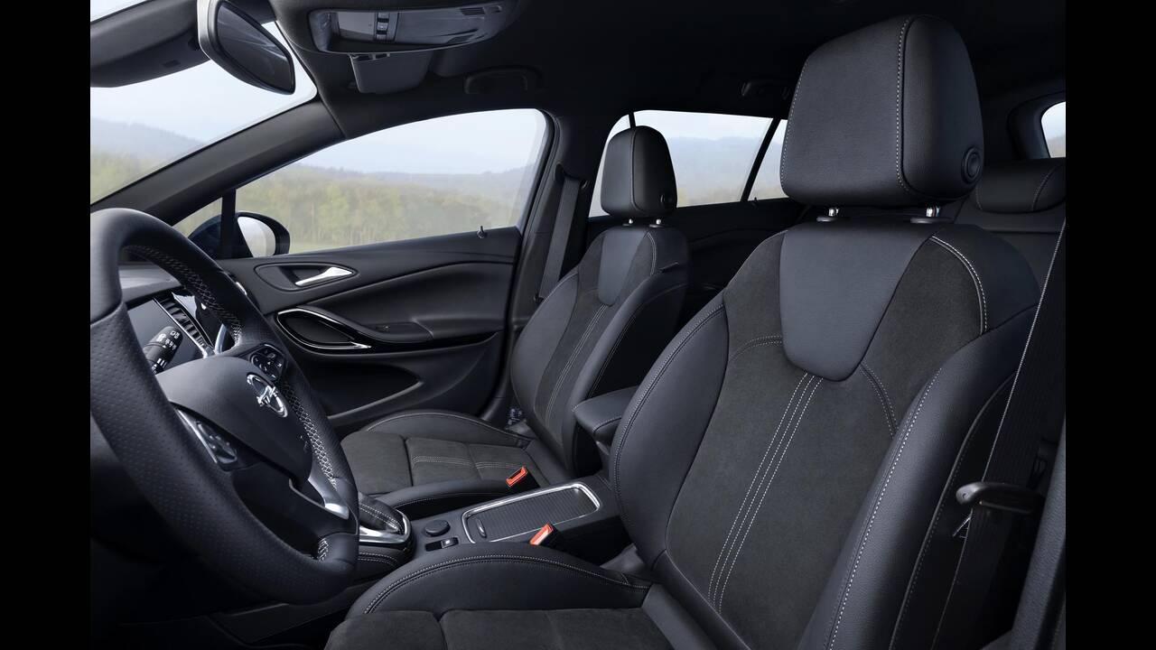 https://cdn.cnngreece.gr/media/news/2019/09/12/190378/photos/snapshot/Opel-Astra-2019-19.jpg