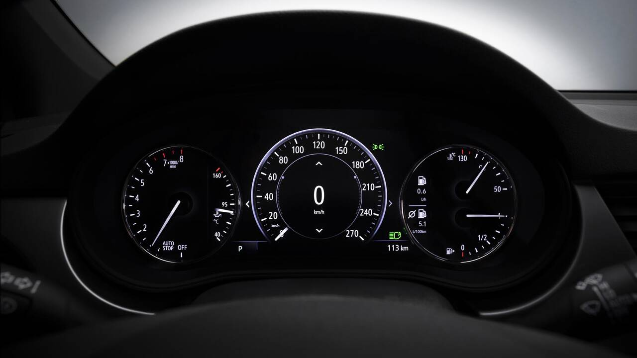 https://cdn.cnngreece.gr/media/news/2019/09/12/190378/photos/snapshot/Opel-Astra-2019-20.jpg