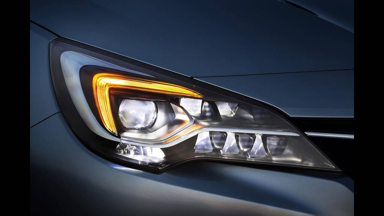 https://cdn.cnngreece.gr/media/news/2019/09/12/190378/photos/snapshot/Opel-Astra-2019-3.jpg