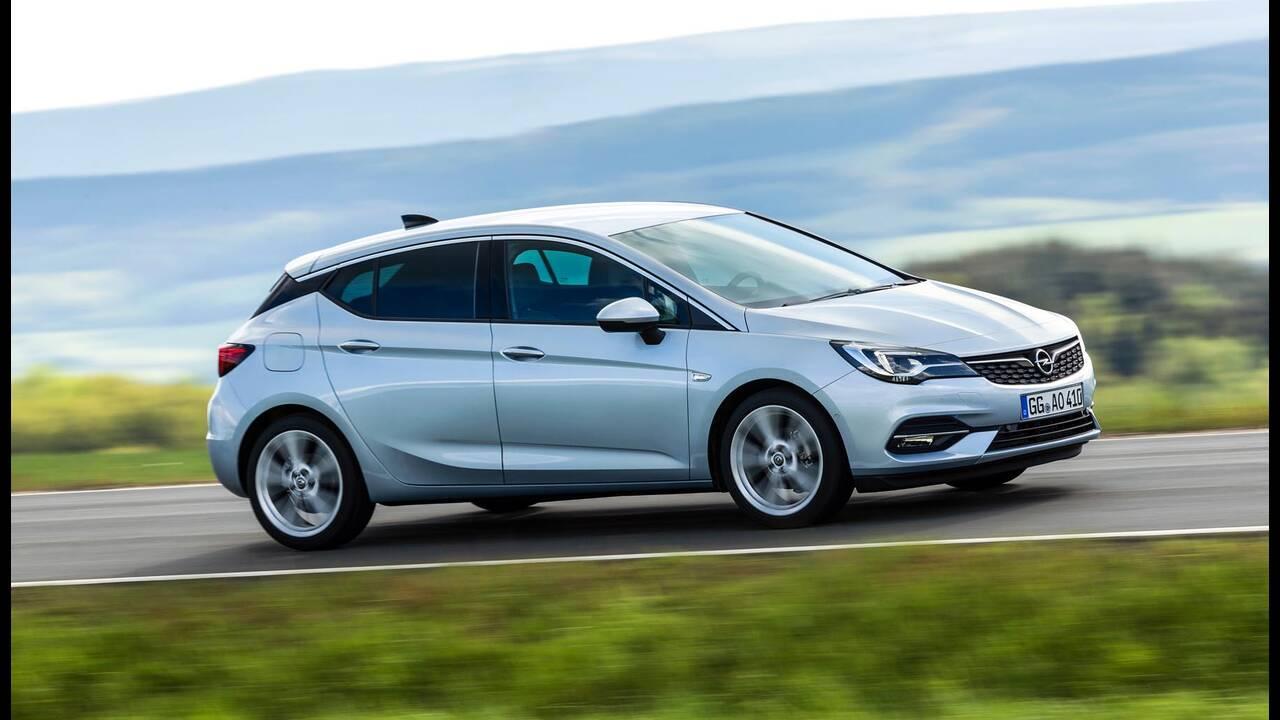 https://cdn.cnngreece.gr/media/news/2019/09/12/190378/photos/snapshot/Opel-Astra-2019-5.jpg