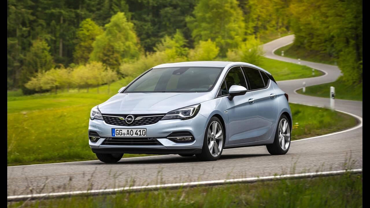 https://cdn.cnngreece.gr/media/news/2019/09/12/190378/photos/snapshot/Opel-Astra-2019-6.jpg
