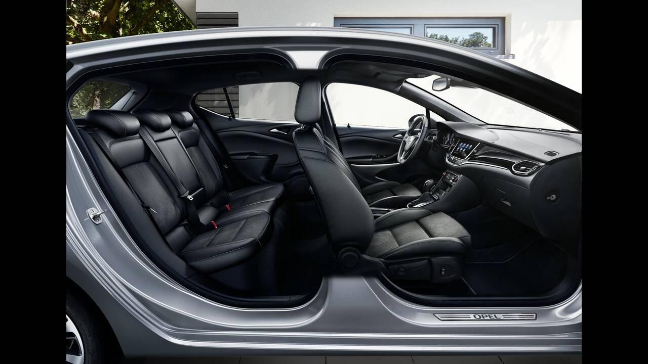 https://cdn.cnngreece.gr/media/news/2019/09/12/190378/photos/snapshot/Opel-Astra-2019-8.jpg
