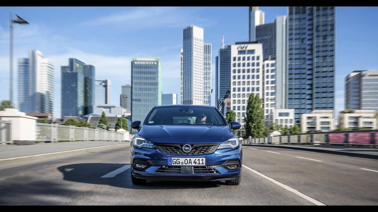 https://cdn.cnngreece.gr/media/news/2019/09/12/190378/photos/snapshot/Opel-Astra-2019-9.jpg