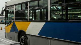 Τροχαίο φορτηγού με λεωφορείο στην Πέτρου Ράλλη - Ένας τραυματίας