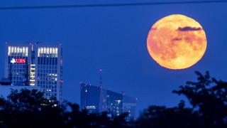 Πανσέληνος Σεπτεμβρίου: Ανέτειλε και μαγεύει το ολόγιομο φεγγάρι