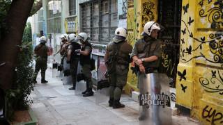 Ένταση στα Εξάρχεια:  Μολότοφ και πέτρες κατά αστυνομικών