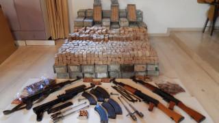 Κρήτη: Κύκλωμα έφερνε καλάσνικοφ από την Αλβανία