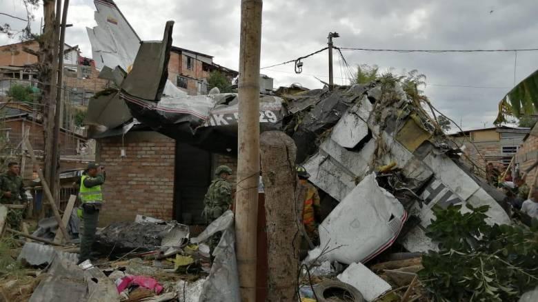 Κολομβία: Επτά νεκροί από συντριβή αεροσκάφους σε κατοικημένη περιοχή