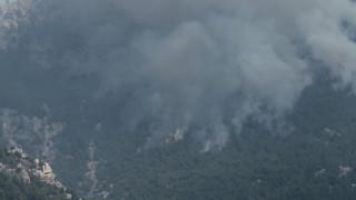 Σε ύφεση η φωτιά στο Λουτράκι - Ανησυχία για αναζωπυρώσεις