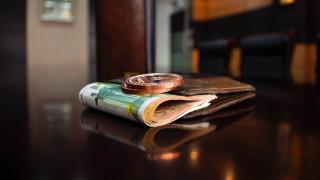 Κυπαρισσία: Βρήκε 10.500 ευρώ σε καρότσι σούπερ μάρκετ και τα παρέδωσε στην αστυνομία